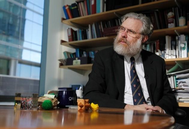Il genetista americano George Church è uno dei co-fondatori di un'azienda che sta sviluppando maiali geneticamente modificati con lo scopo di coltivare organi per trapianti in esseri umani